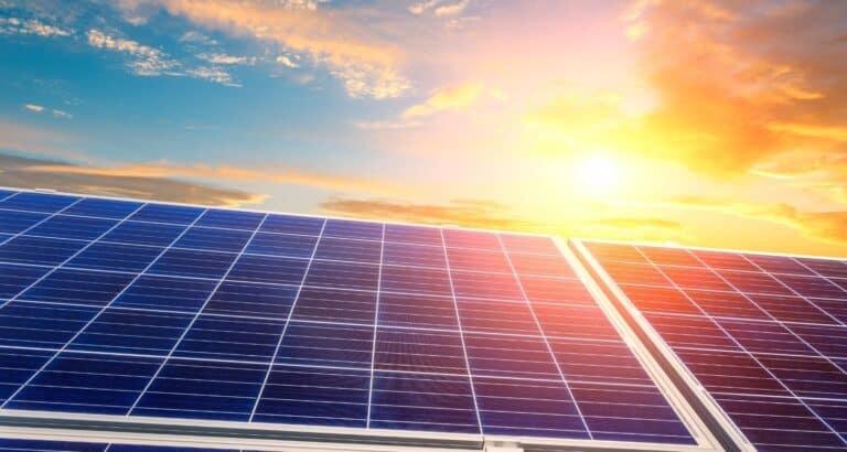 Comment les panneaux photovoltaïques produisent de l'électricité ?