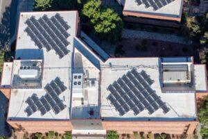 5 raisons pour équiper son entreprise de panneaux photovoltaïques